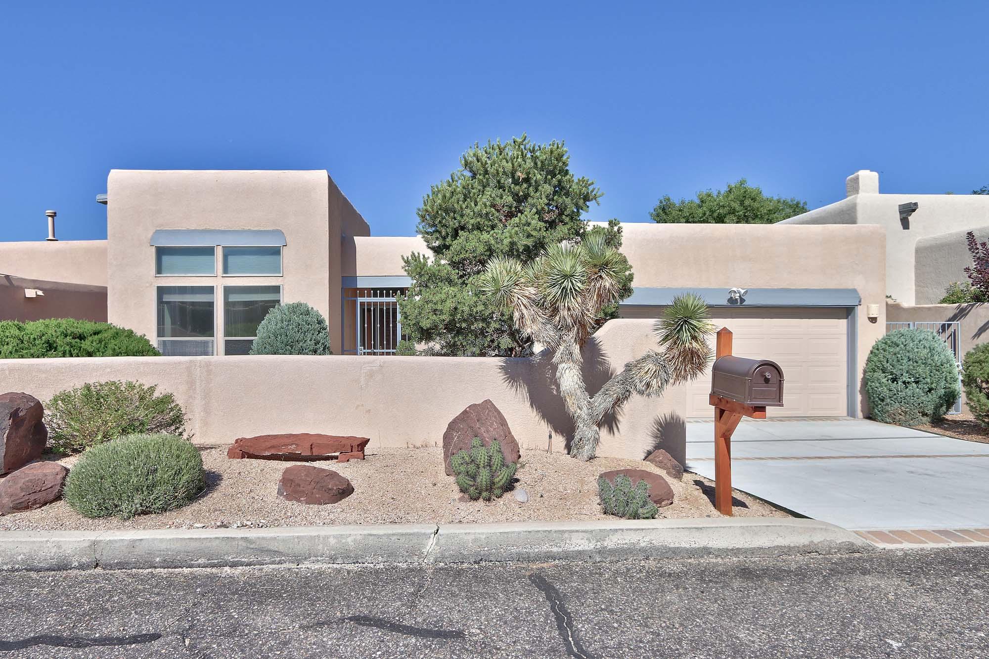 2751 Cliffrose Drive NE, Albuquerque, NM 87122