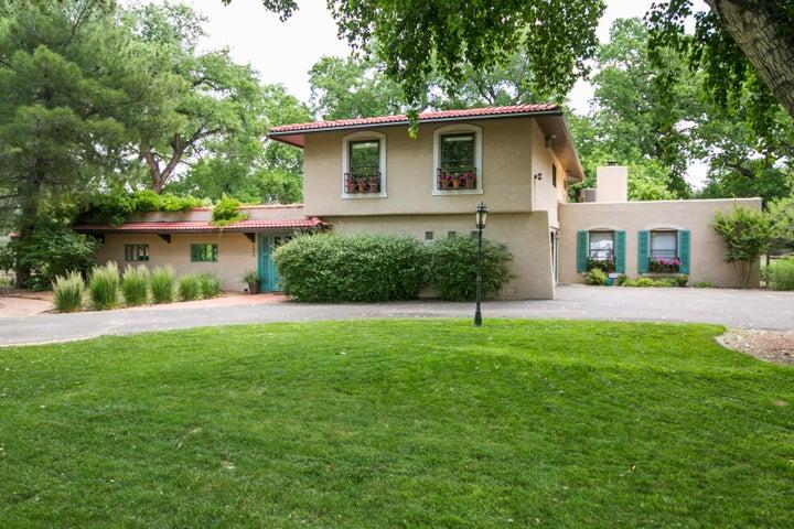 2406 Northwood Court NW, Los Ranchos, NM 87107