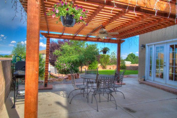 8408 Magenta Road NW, Albuquerque, NM 87120