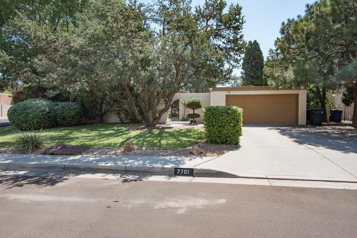 7701 Hermanson Place NE, Albuquerque, NM 87110