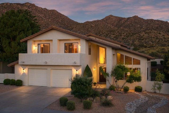1304 Sierra Larga Drive NE, Albuquerque, NM 87112