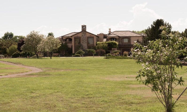 4686 Los Poblanos Circle NW, Los Ranchos, NM 87107
