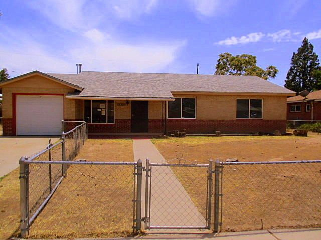 5808 Princess Jeanne Avenue NE, Albuquerque, NM 87110