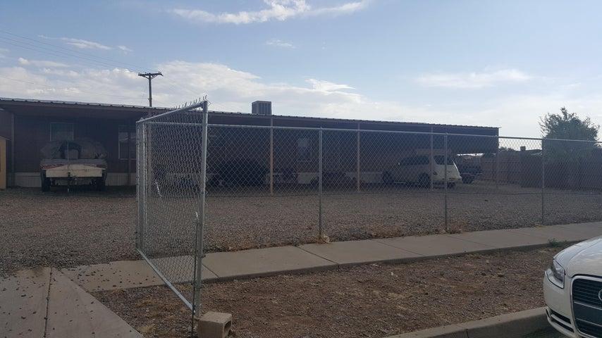 296 Fentiman Place SE, Albuquerque, NM 87105