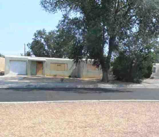 5913 Candelaria Road NE, Albuquerque, NM 87110