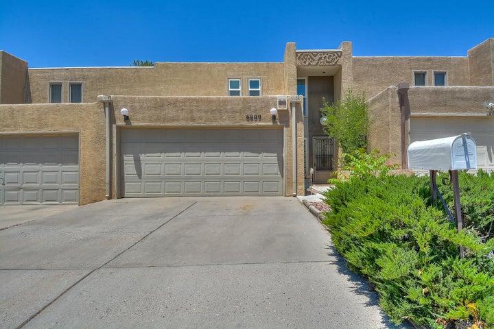 6809 Los Trechos Court NE, Albuquerque, NM 87109