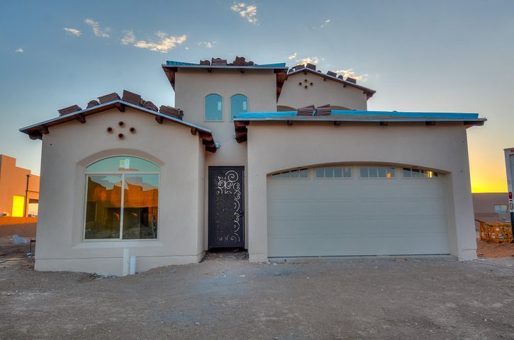 8823 Silver Oak Avenue NE, Albuquerque, NM 87113