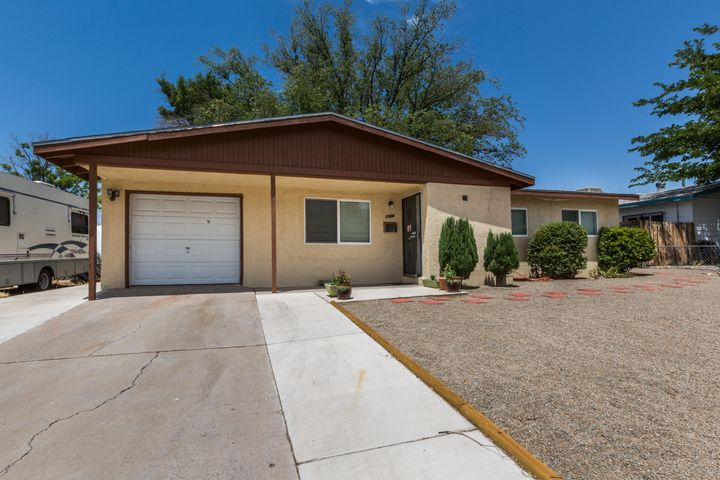 1509 June Street NE, Albuquerque, NM 87112
