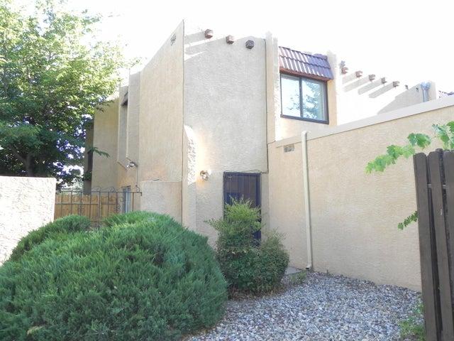 8433 Heights Road NE, 9 C, Albuquerque, NM 87111