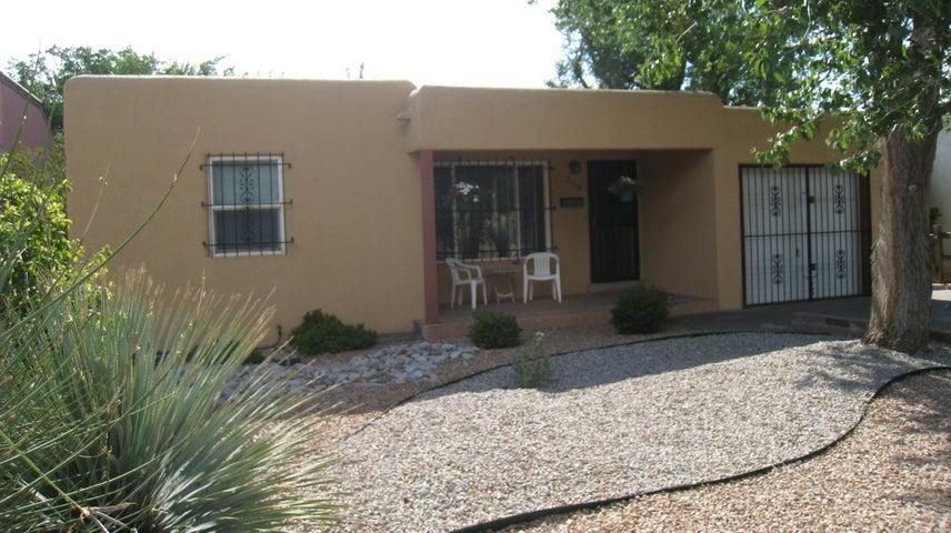 309 Valencia Drive NE, Albuquerque, NM 87108