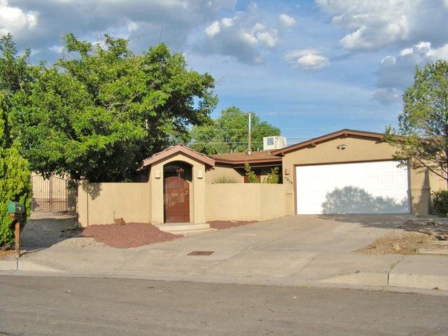 7912 Loma Del Norte Road NE, Albuquerque, NM 87109