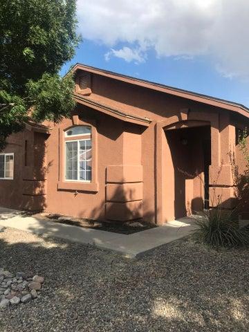 10340 Round Up Pl SW, Albuquerque, NM 87121
