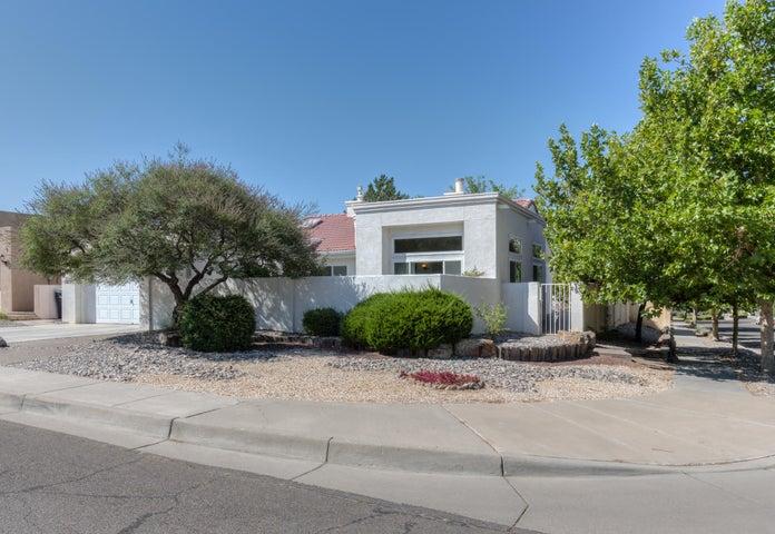 5815 Canyon Crest Place NE, Albuquerque, NM 87111