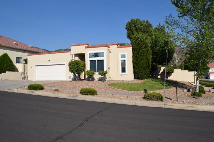 1410 Narcisco Street NE, Albuquerque, NM 87112