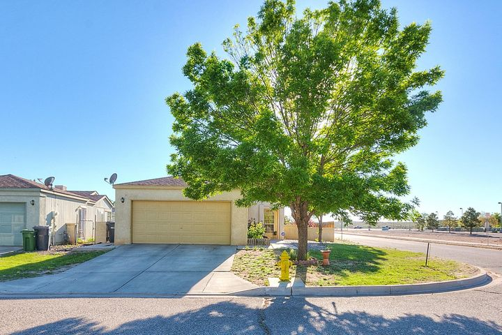 2375 Elizabeth Ann Road NE, Rio Rancho, NM 87144