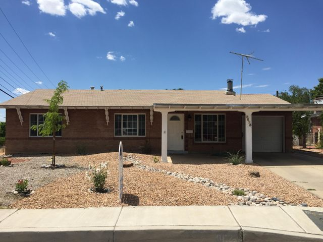 8623 Woodland Avenue NE, Albuquerque, NM 87112