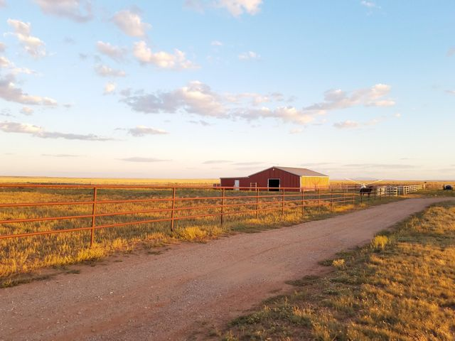 701 E Clements Road, McIntosh, NM 87032