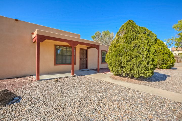 375 Tarpon Avenue SE, Rio Rancho, NM 87124