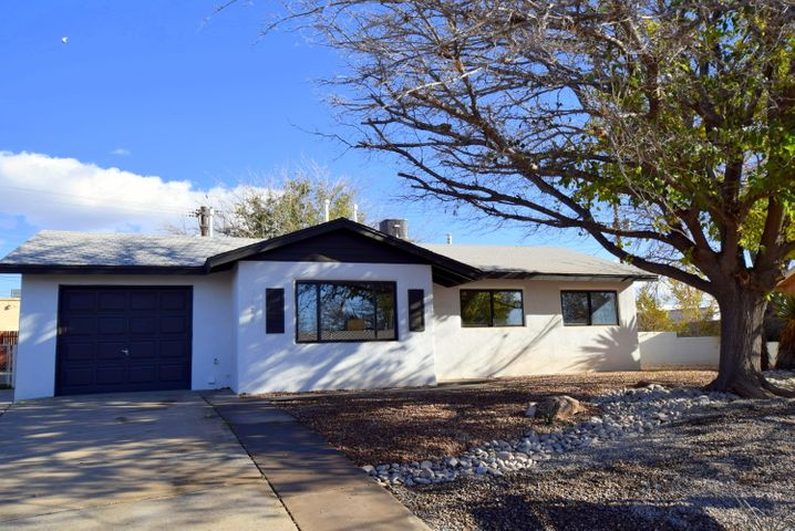 1424 Glorieta Street NE, Albuquerque, NM 87112