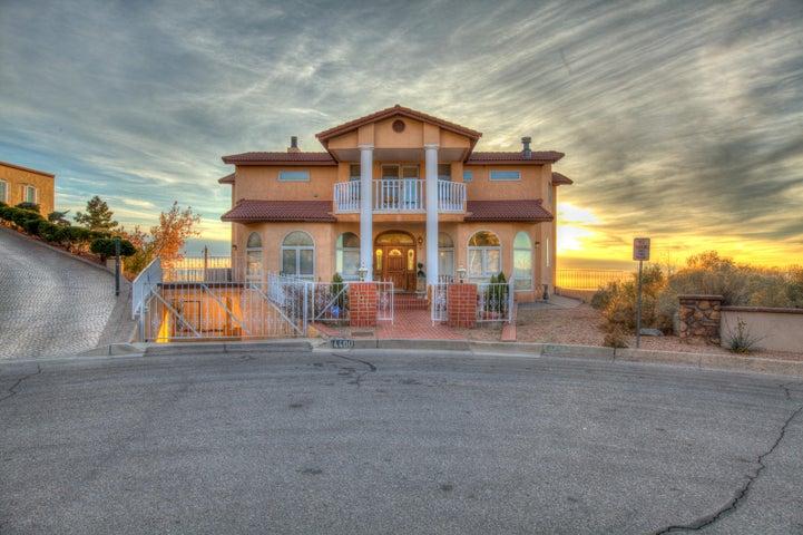 4400 Canyon Court NE, Albuquerque, NM 87111