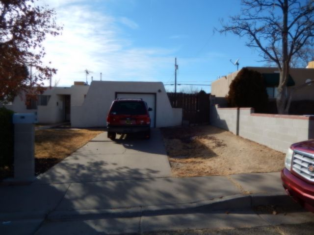 417 62Nd Street SW, Albuquerque, NM 87121