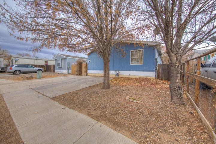 1032 Las Rosas Drive SE, Los Lunas, NM 87031