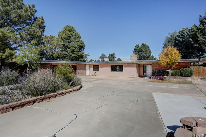 6411 Lovelace Road SE, Albuquerque, NM 87108