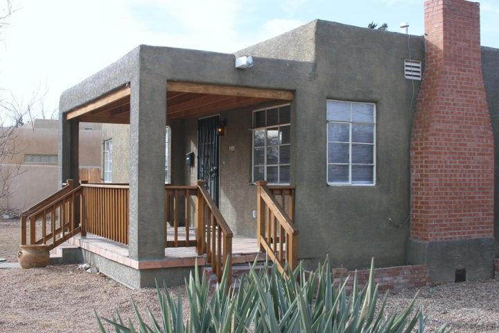 1101 Washington Street SE, Albuquerque, NM 87108