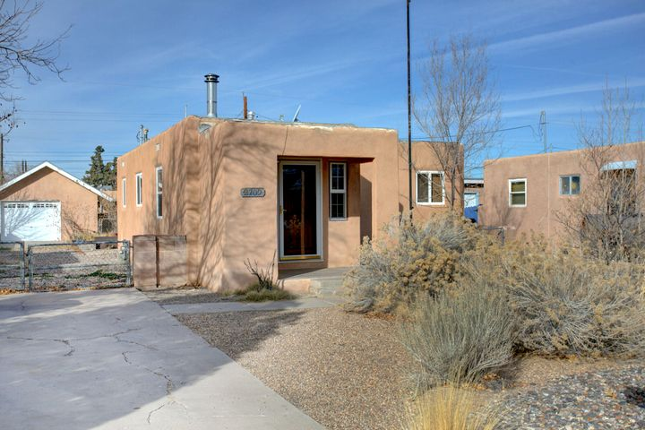 2709 Monk Court NW, Albuquerque, NM 87107
