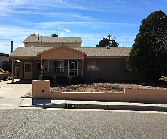 8810 Woodland Avenue NE, Albuquerque, NM 87112