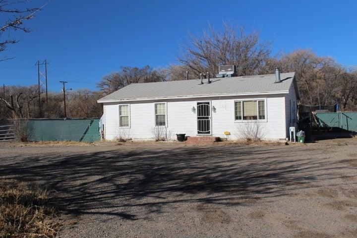 3723 Dean Boulevard SW, Albuquerque, NM 87105