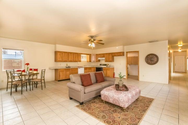 2320 Dora Avenue NW, Albuquerque, NM 87104