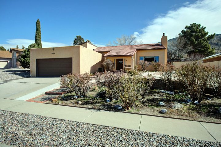 3904 Calle Castano NE, Albuquerque, NM 87111