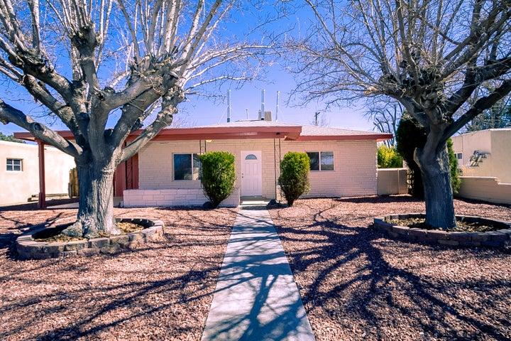 1340 Boatright Drive NE, Albuquerque, NM 87112