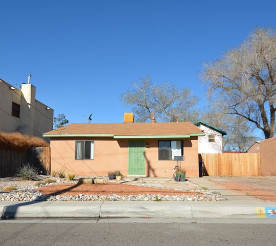 511 Keleher Avenue NW, Albuquerque, NM 87102