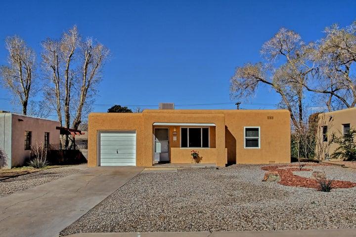 1221 Dartmouth Drive NE, Albuquerque, NM 87106