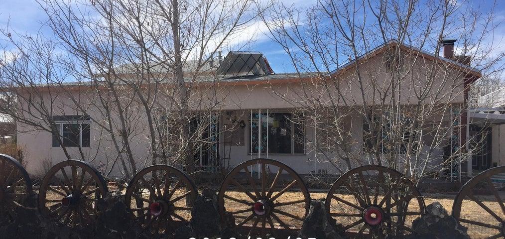 2201 Marie Place NW, Albuquerque, NM 87104