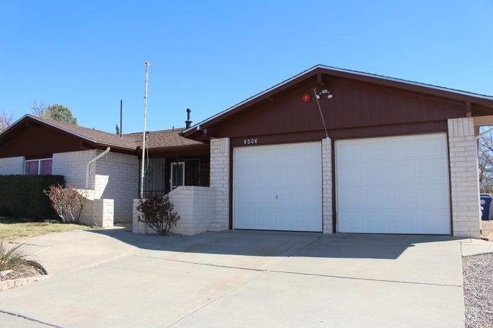 8508 Plymouth Rock Road NE, Albuquerque, NM 87109