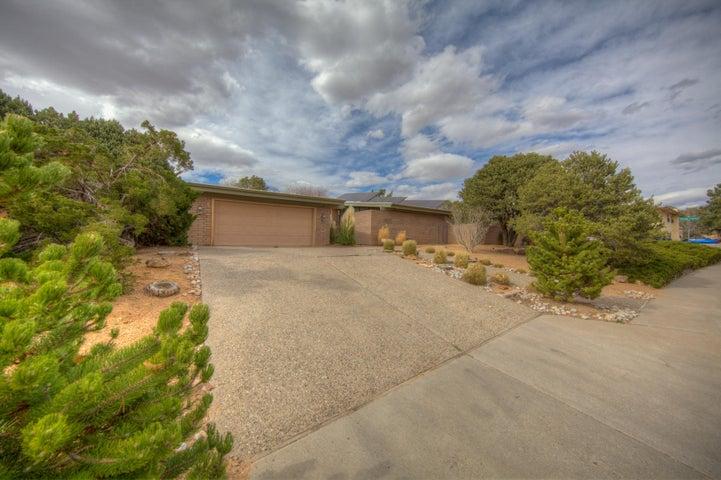 4833 Brenda Street NE, Albuquerque, NM 87109