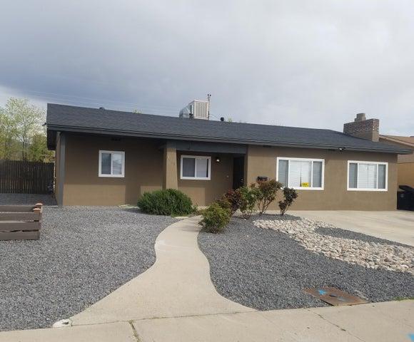 1038 June Street NE, Albuquerque, NM 87112