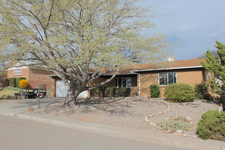 3828 Big Bend Road NE, Albuquerque, NM 87111