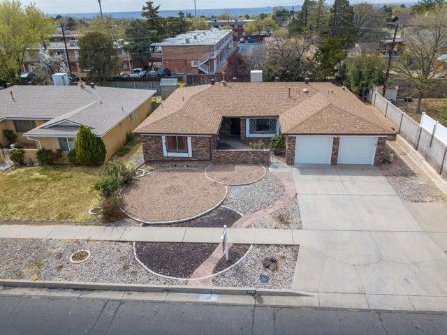 3621 General Bradley Street NE, Albuquerque, NM 87111