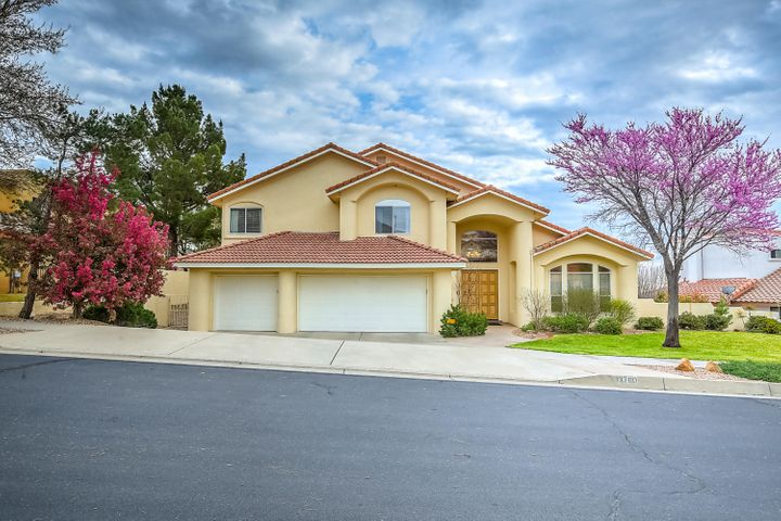 13700 Crested Butte Drive NE, Albuquerque, NM 87112