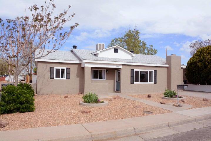 1007 June Street NE, Albuquerque, NM 87112