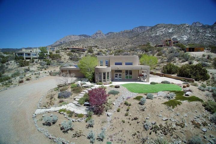 38 Tierra Monte Drive NE, Albuquerque, NM 87122