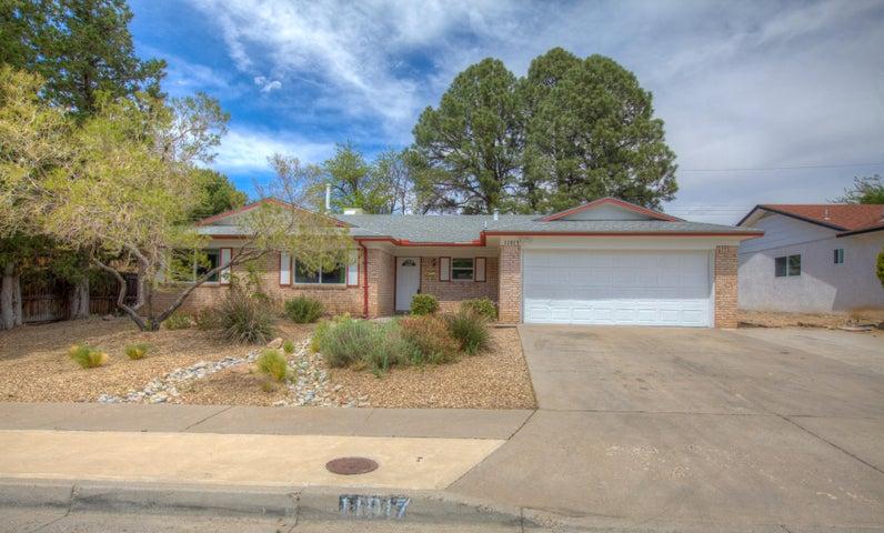11917 Holiday Avenue NE, Albuquerque, NM 87111