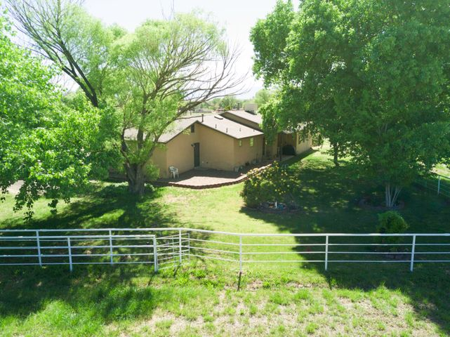 1260 Dearing Lane, Bosque Farms, NM 87068