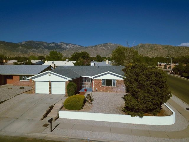 800 Nakomis Drive NE, Albuquerque, NM 87123