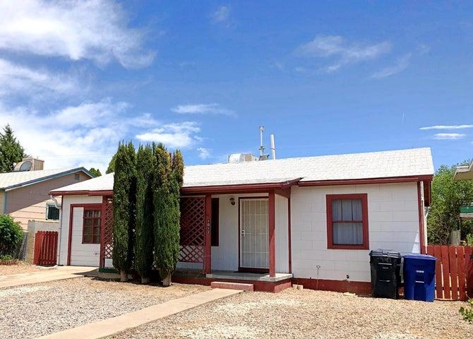 1012 Wilmoore Drive SE, Albuquerque, NM 87106