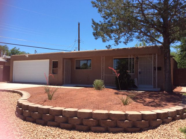 9116 Snow Heights Boulevard NE, Albuquerque, NM 87112